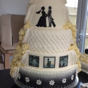 Monochrome decorated 5 teir wedding cake
