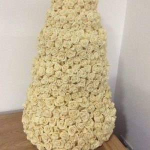 six teir white chocolate rose wedding cake