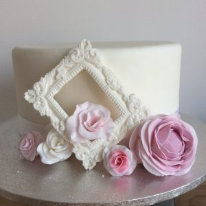 white photo frame ideas for wedding cake decoration