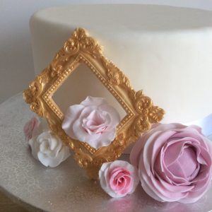 gold photo frame ideas for wedding cake decoration